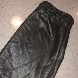 Black leather skirt Forever 21